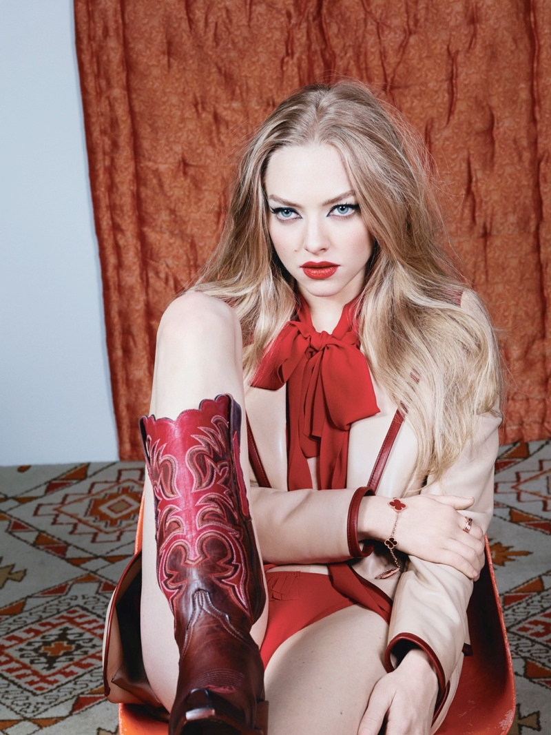 amanda seyfried 2014 4 Amanda Seyfried is a Sexy Cowgirl for W Magazine Cover Shoot