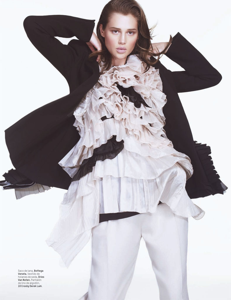 anais lofficiel mexico7 Anais Pouliot Stars in Debut Issue of LOfficiel Mexico by Andrew Yee