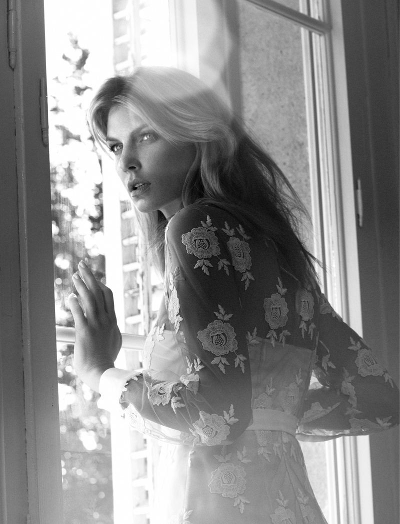 angela lindvall photo shoot7 Angela Lindvall Embraces Florals in Elle Russia Shoot by Xavi Gordo
