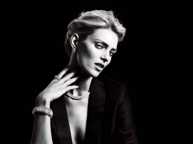 anja rubik apart diamond jewelry2 800x599 Anja Rubik Shines in the Apart Diamond Spring 2014 Campaign