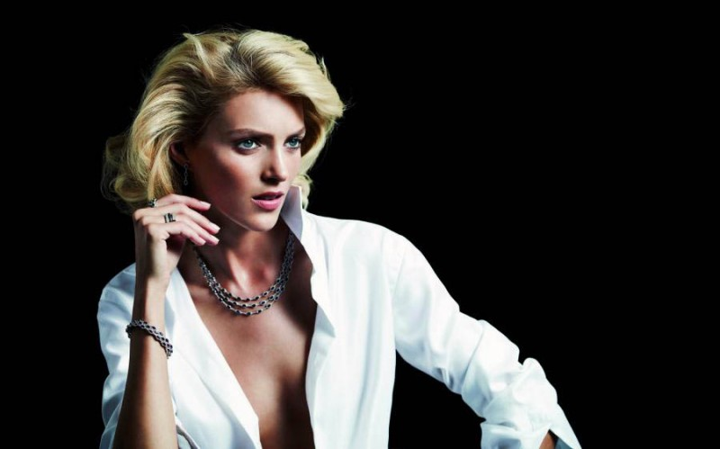 anja rubik apart diamond jewelry8 800x499 Anja Rubik Shines in the Apart Diamond Spring 2014 Campaign