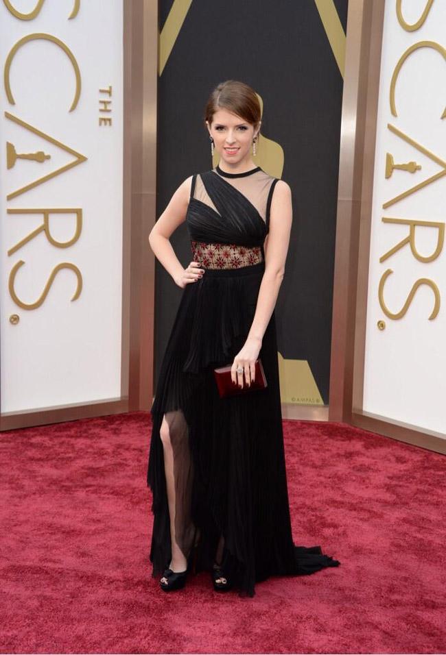 anna kendrick j mendel oscars 2014 Oscars Red Carpet Looks