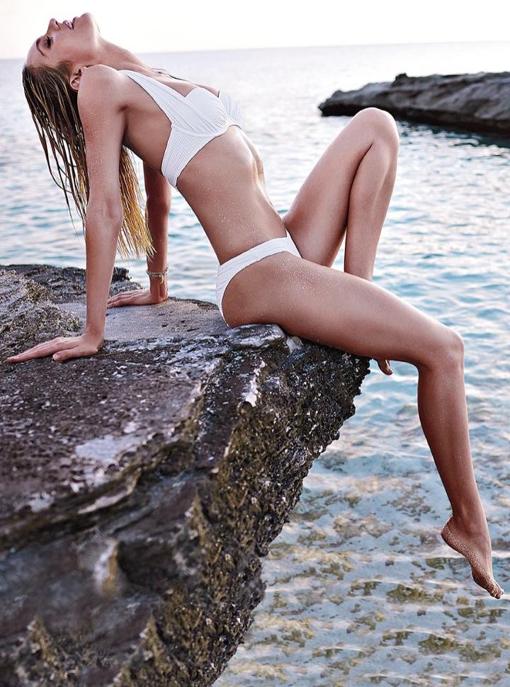 candice swanepoel bikini shoot16 Bombshell Alert! Candice Swanepoel Models Bikinis in Victorias Secret Shoot