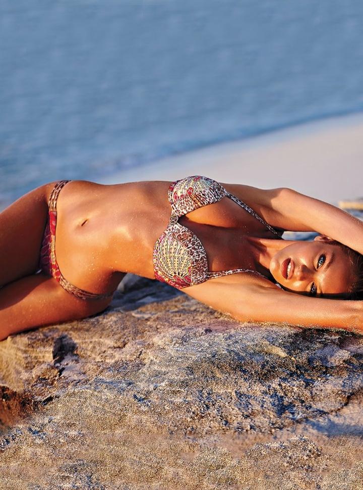 candice swanepoel bikini shoot18 Bombshell Alert! Candice Swanepoel Models Bikinis in Victorias Secret Shoot