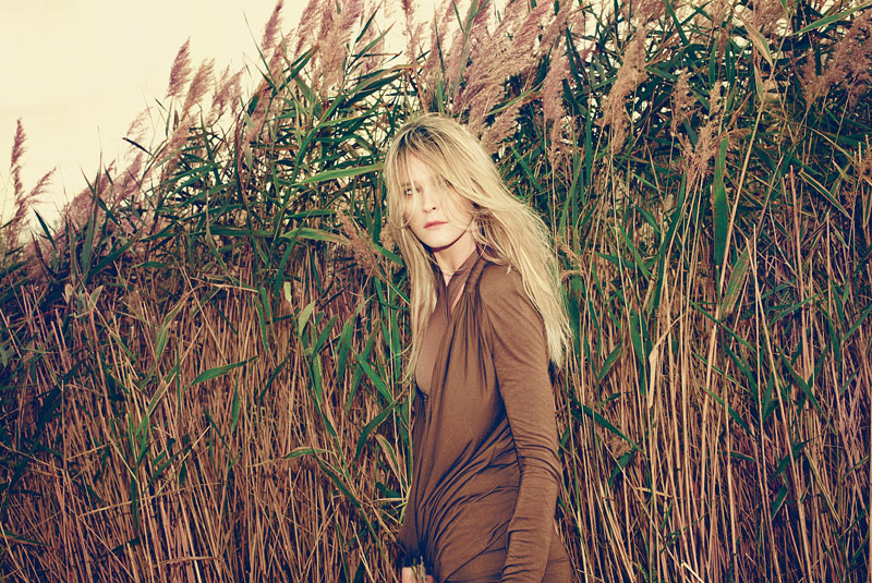 carmen kass arnaud pyvka2 Golden Girl: Carmen Kass Shines in Vogue Travel Shoot by Arnaud Pyvka
