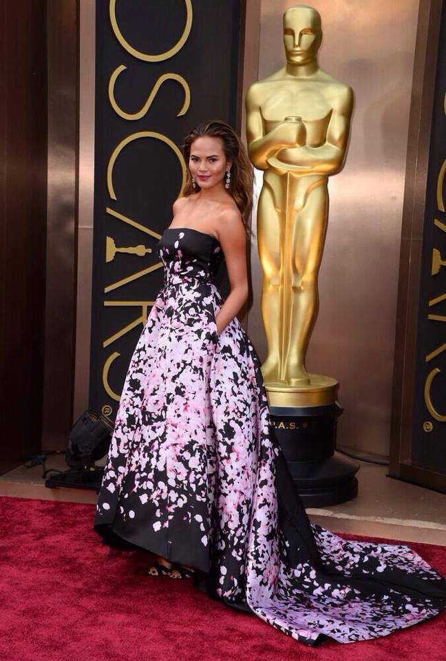chrissy teigen monique lhuillier 2014 Oscars Red Carpet Looks