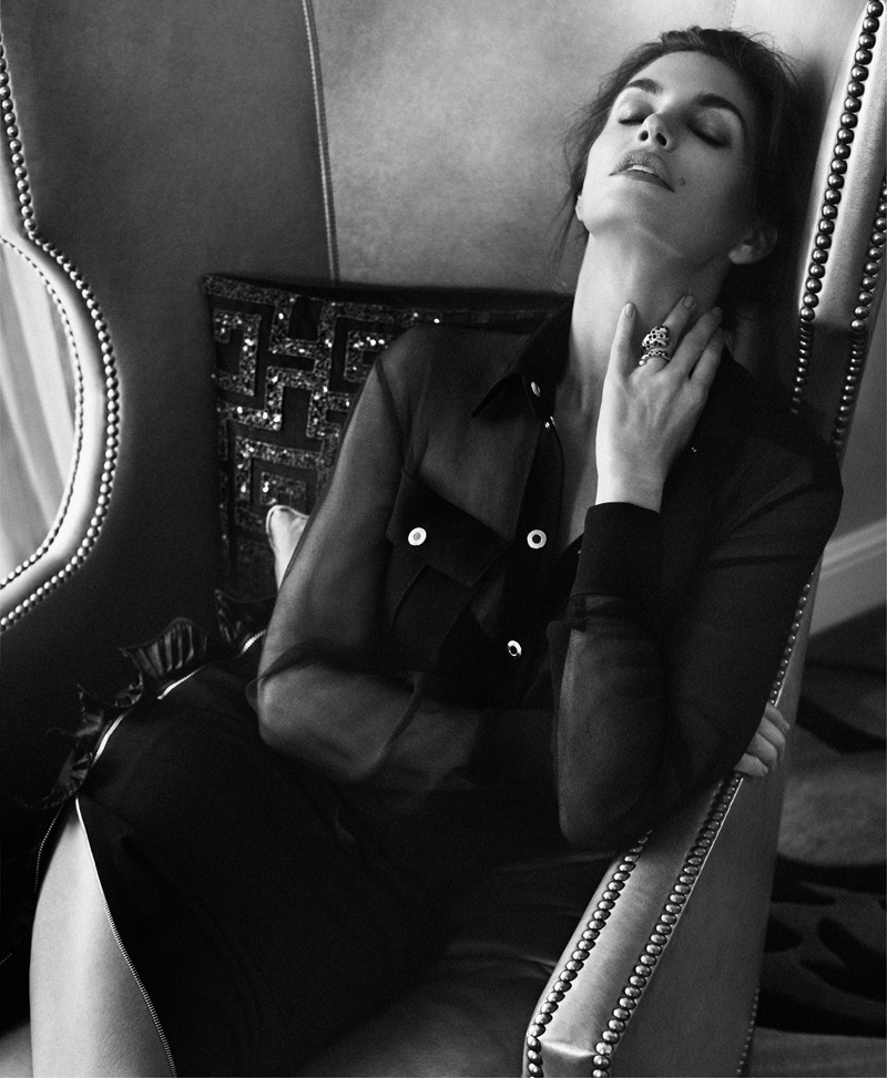 cindy crawford xavi gordo1 Supermodel Cindy Crawford Stuns for Xavi Gordo in Bazaar Russia Shoot