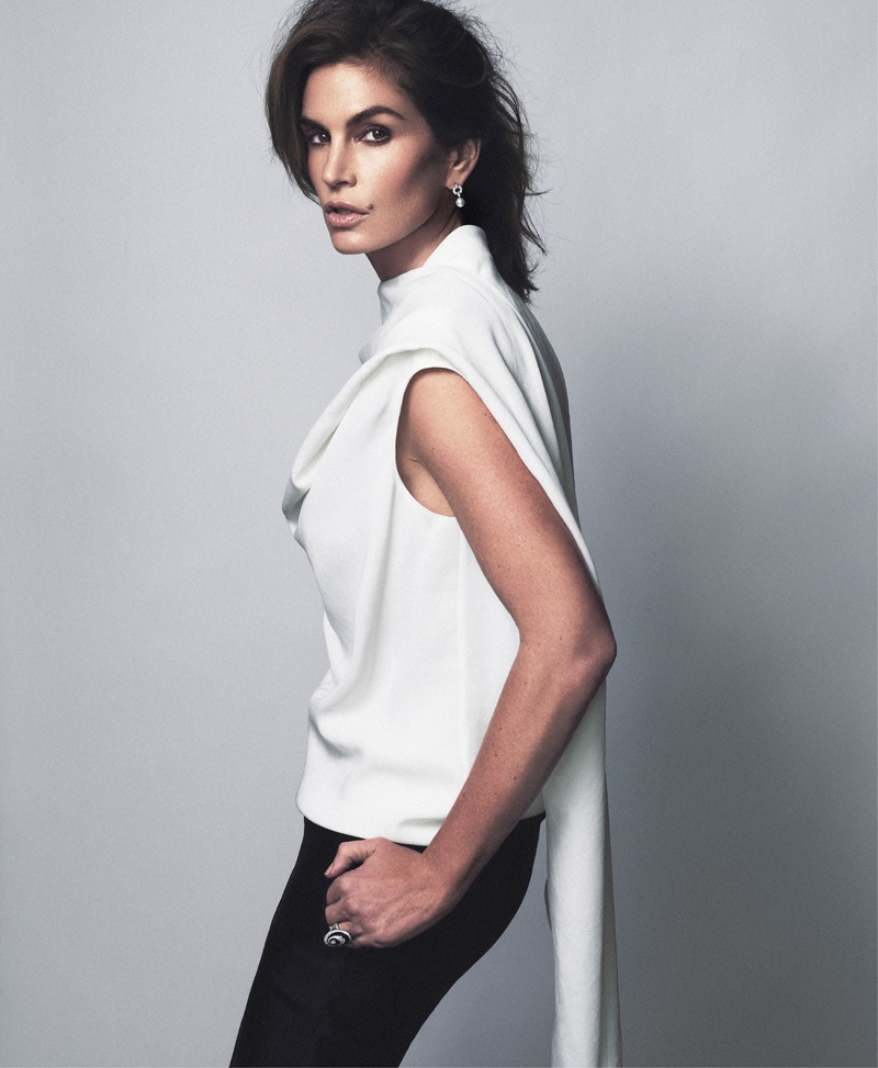 cindy crawford xavi gordo5 Supermodel Cindy Crawford Stuns for Xavi Gordo in Bazaar Russia Shoot