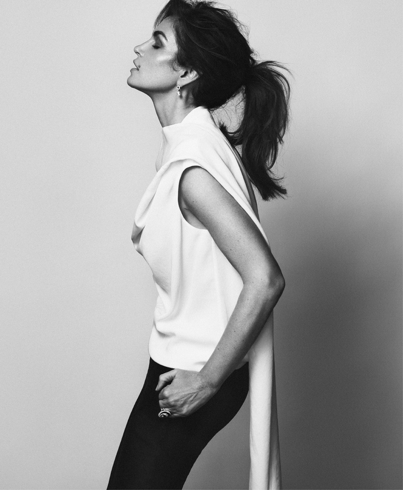 cindy crawford xavi gordo6 Supermodel Cindy Crawford Stuns for Xavi Gordo in Bazaar Russia Shoot