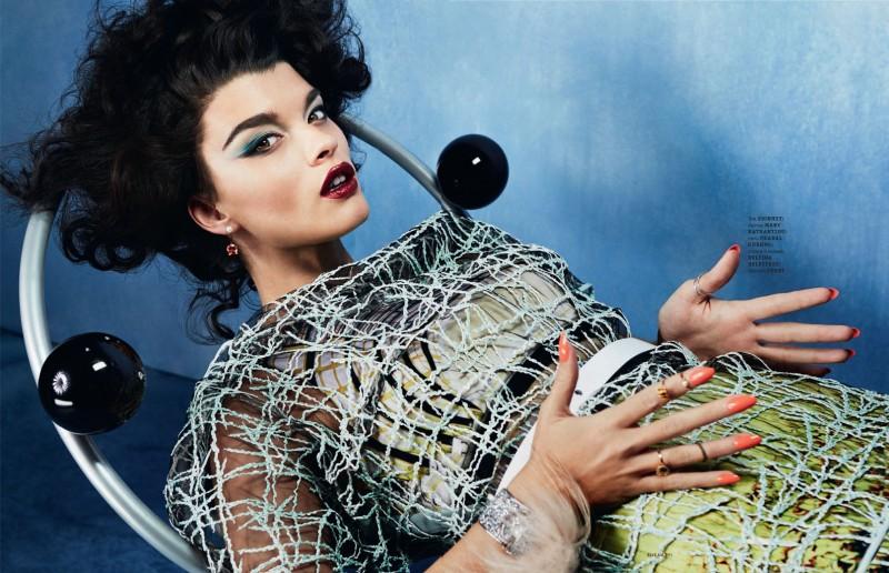 crystal renn photo shoot9 800x516 Crystal Renn Works It for Elle Ukraine March 2014 Cover Shoot