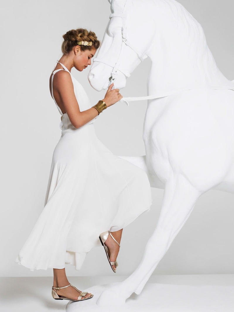 doutzen kroes cuneyt akerglou12 Doutzen Kroes Channels Inner Goddess for Cuneyt Akeroglu in Vogue Turkey