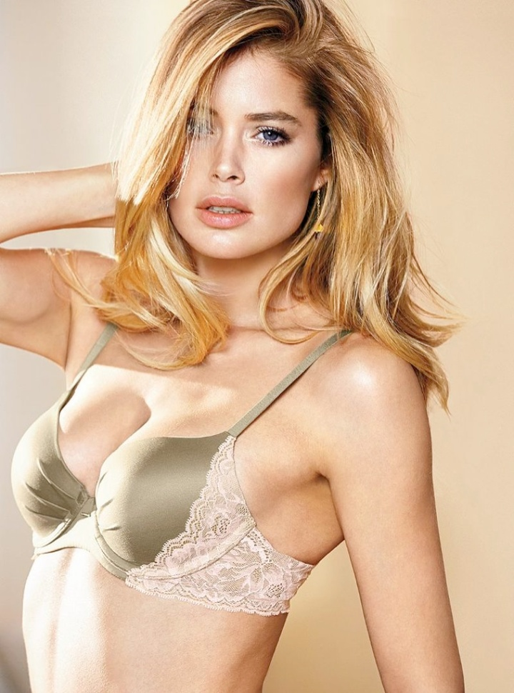 doutzen vs lingerie1 Doutzen Kroes Wows in New Victorias Secret Photos