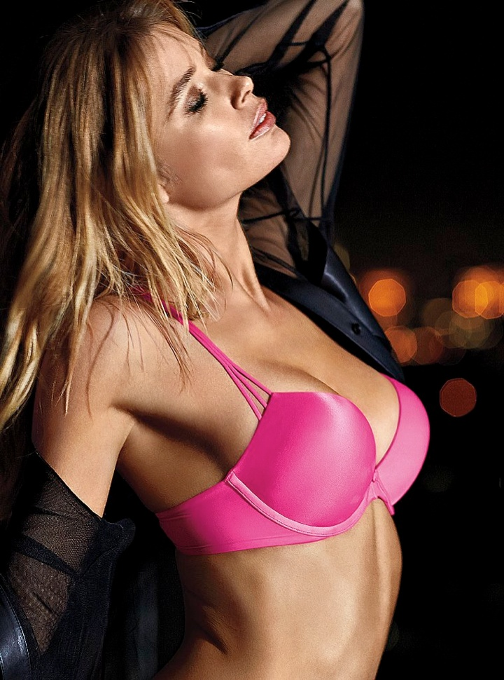 doutzen vs lingerie7 Doutzen Kroes Wows in New Victorias Secret Photos