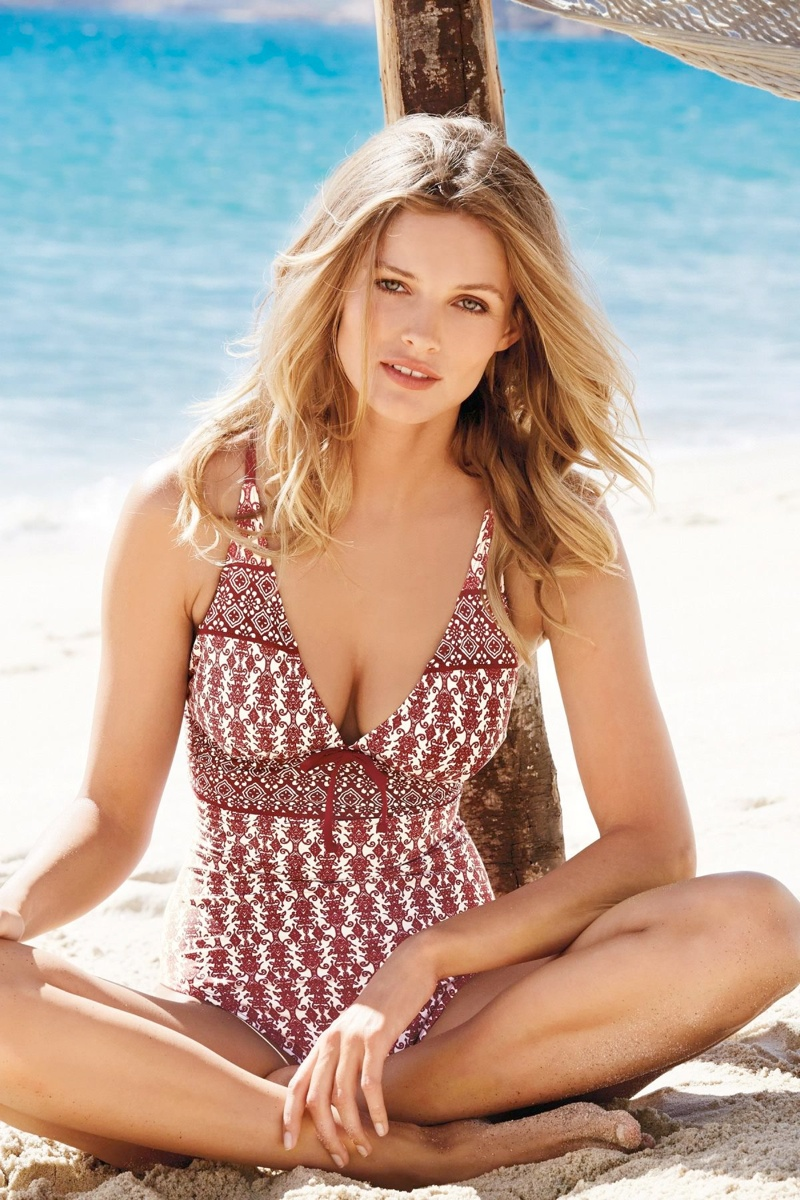 edita vilkeviciute bikini photos12 Edita Vilkeviciute is Ready for Beach Season in Next Summer 14 Swimwear