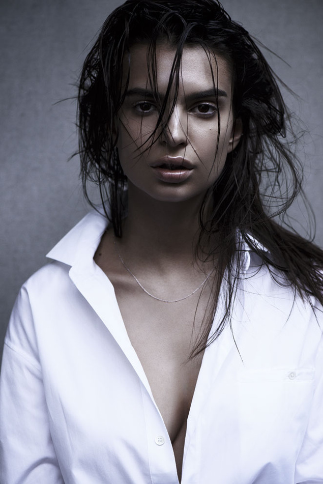 emily ratajkowski photo shoot2 Emily Ratajkowski is (Surprisingly) Covered Up in S Moda Shoot