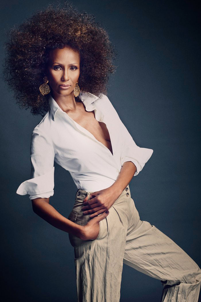 iman now7 Iman Steals the Spotlight in SCENE Shoot by Douglas Friedman