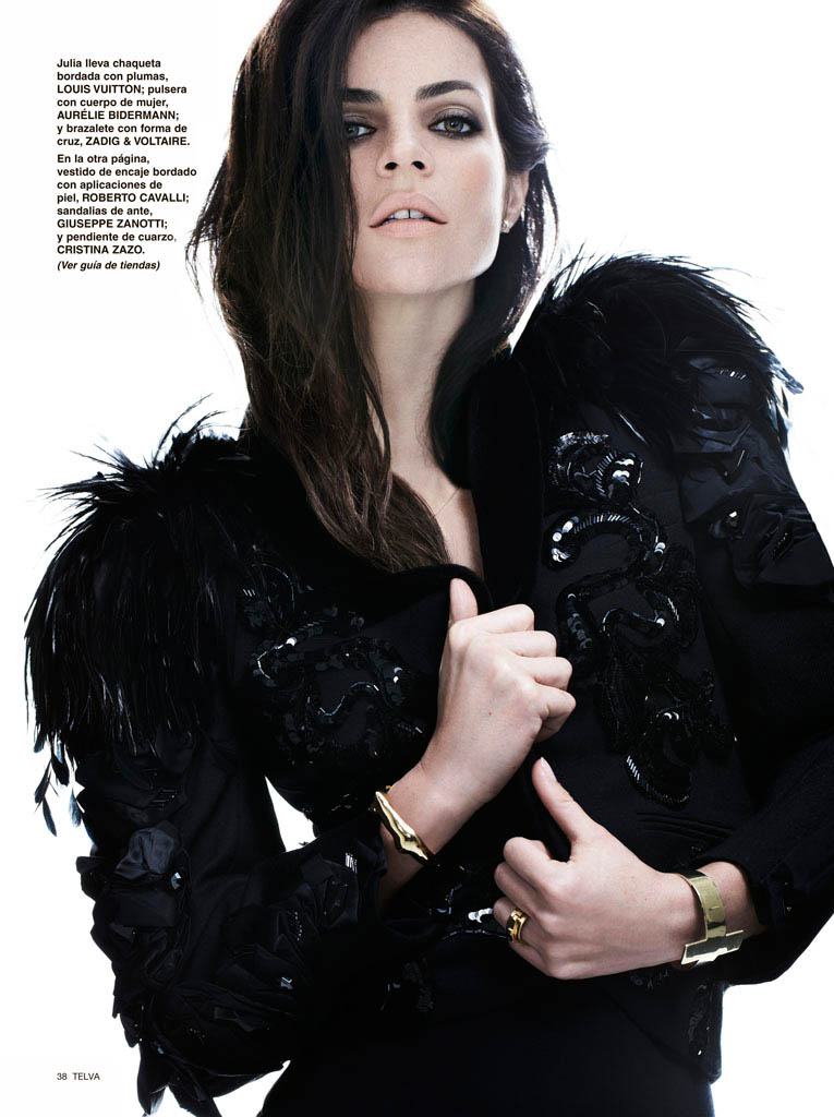 julia restoin roitfeld photos8 Back to Black: Julia Restoin Roitfeld Stars in Telva Shoot by Max Abadian