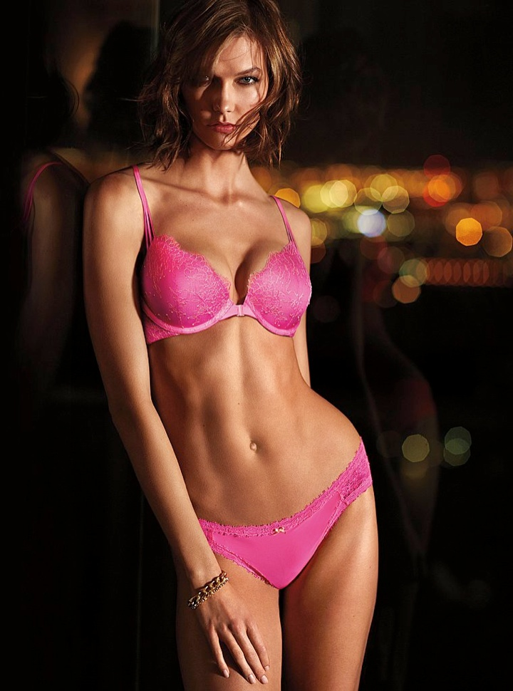 karlie kloss victorias secret lingerie4 Angel at Night: Karlie Kloss Sizzles in Victorias Secret Lingerie