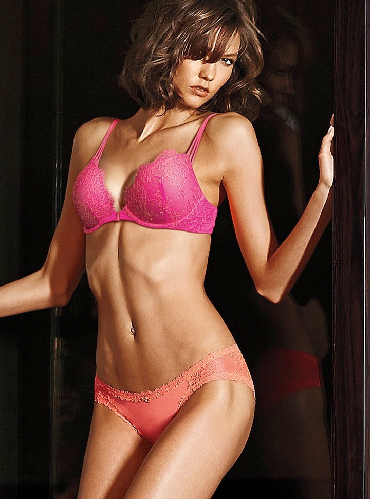 karlie kloss victorias secret lingerie5 Angel at Night: Karlie Kloss Sizzles in Victorias Secret Lingerie