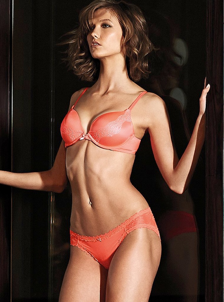 karlie kloss victorias secret lingerie6 Angel at Night: Karlie Kloss Sizzles in Victorias Secret Lingerie