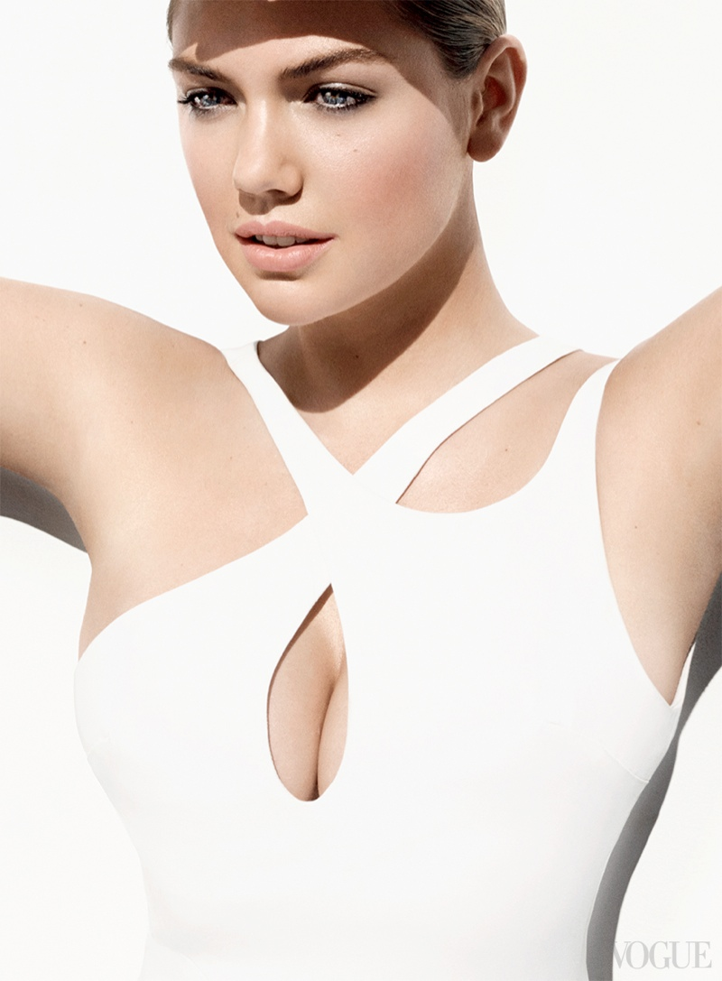 kate upton mario testino1 Kate Upton Shows Off Curves for Vogue, Wants to Avoid Being Cheap & Cheesy