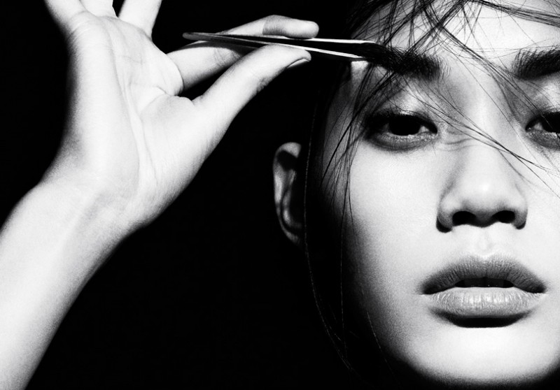 ming xi beauty4 800x558 Ming Xi Stars in Beauty Story for Vogue China by Marcus Ohlsson