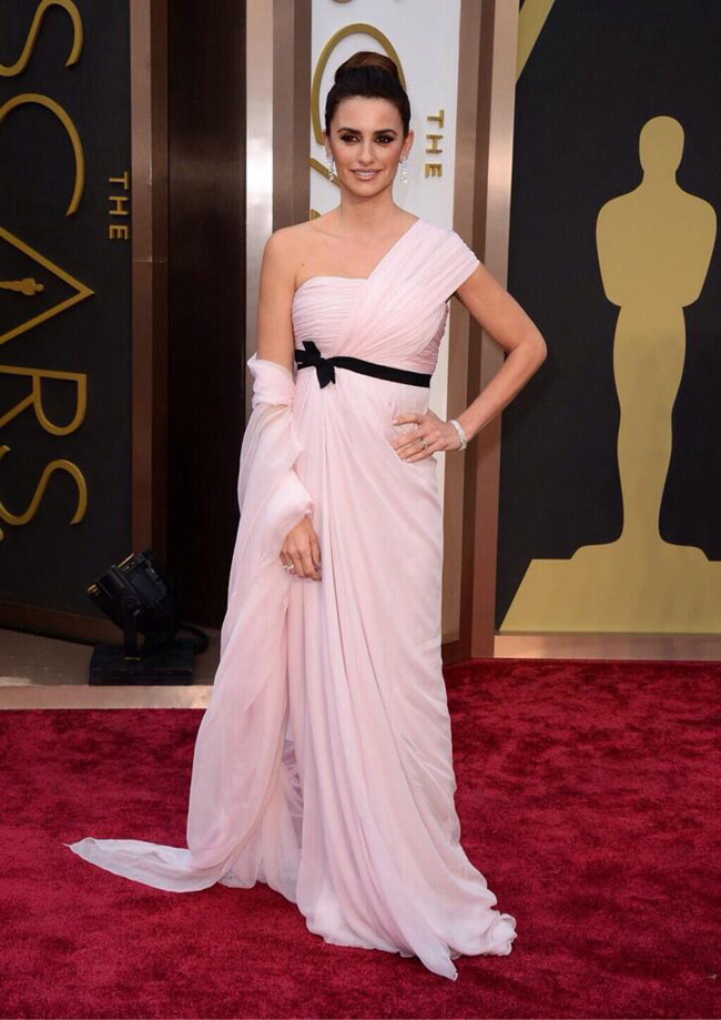 penelope cruz giambattista valli oscars 2014 Oscars Red Carpet Looks