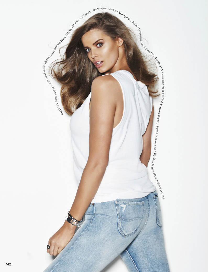 robyn lawley curves3 Robyn Lawley Wears Off Duty Style in Cosmopolitan Australia Spread