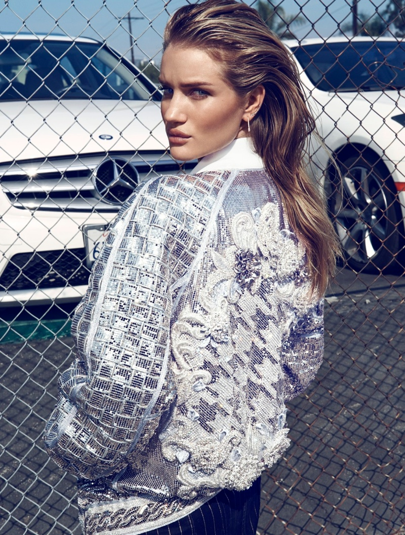 rosie huntington whiteley photos1 Rosie Huntington Whiteley is Smokin Hot in Vamp #1 by Paola Kudacki