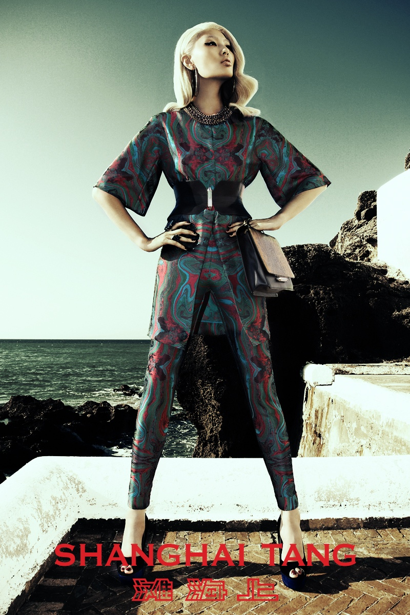 shanghai tang spring 2014 campaign2 Bonnie Chen Goes Seaside for Shanghai Tang Spring 2014 Ads by Richard Bernardin