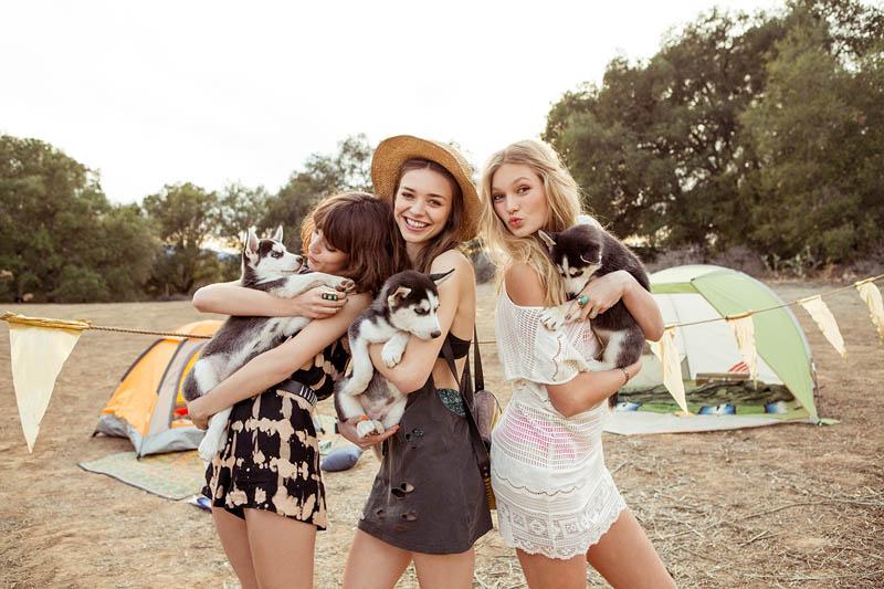 Week in Review | Nina in Bikinis, UO's Fun Spring, Karlie at Home + More