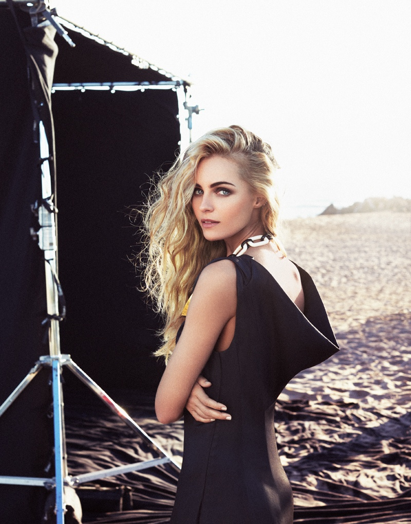 valentina zelyaeva photo shoot3 Valentina Zelyaeva Gets Beachy in Elle Russia Spread by Xavi Gordo
