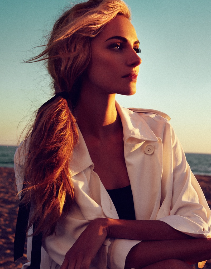 valentina zelyaeva photo shoot4 Valentina Zelyaeva Gets Beachy in Elle Russia Spread by Xavi Gordo