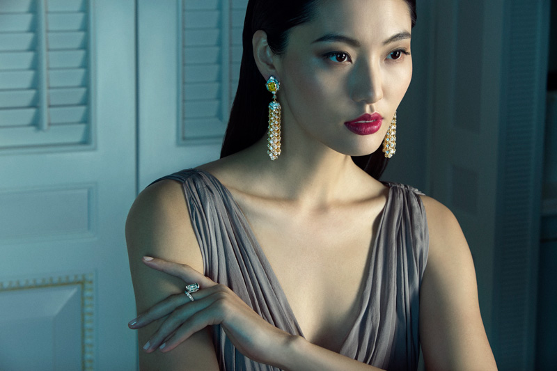 van cleef arpels pierres de caractre3 Du Juan + Bonnie Chen Shine in Van Cleef & Arpels Shoot by Richard Ramos