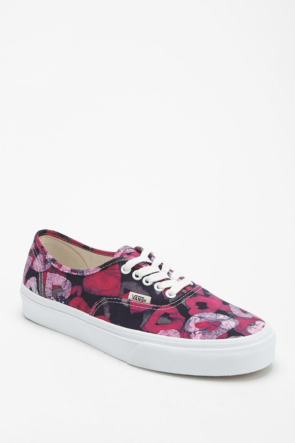 vans women sneakers Sneaker Time: 5 Womens Sneaker Styles for Spring
