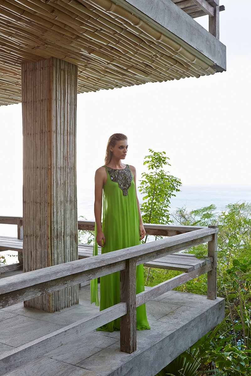 Amanda Wakeley Summer 201416 Farah Holt is Beach Ready in Amanda Wakeley Summer 2014 by Kate Martin
