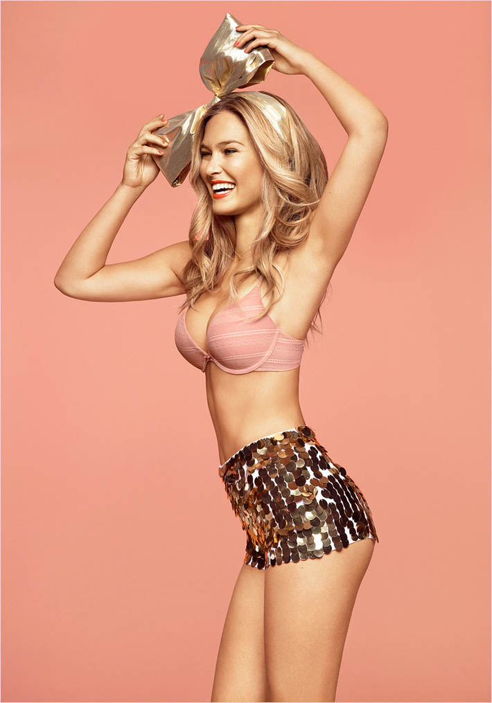 bar refaeli passionata spring 2014 9 Bar Refaeli Gets Fun, Flirty in Passionata Spring 2014 Ads