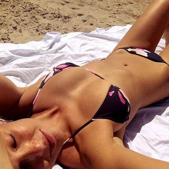 Bar Refaeli catches some sun