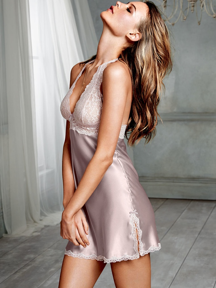 behati prinsloo victorias secret photo shoot4 Behati Prinsloo Wows in New Victorias Secret Photo Shoot