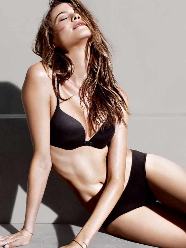 behati prinsloo victorias secret photo shoot7 Behati Prinsloo Wows in New Victorias Secret Photo Shoot