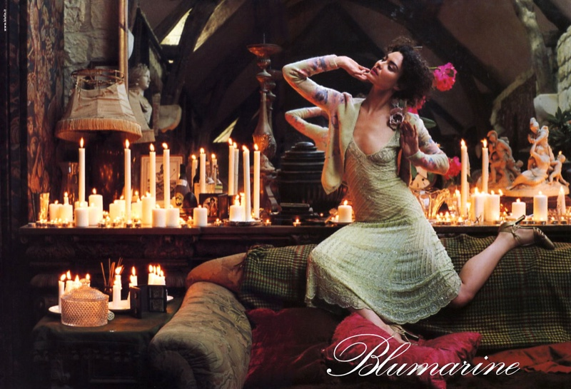 blumarine fall 2002 campaign shalom harlow4 TBT | Shalom Harlow Brings the Drama for Blumarines Fall 2002 Ads