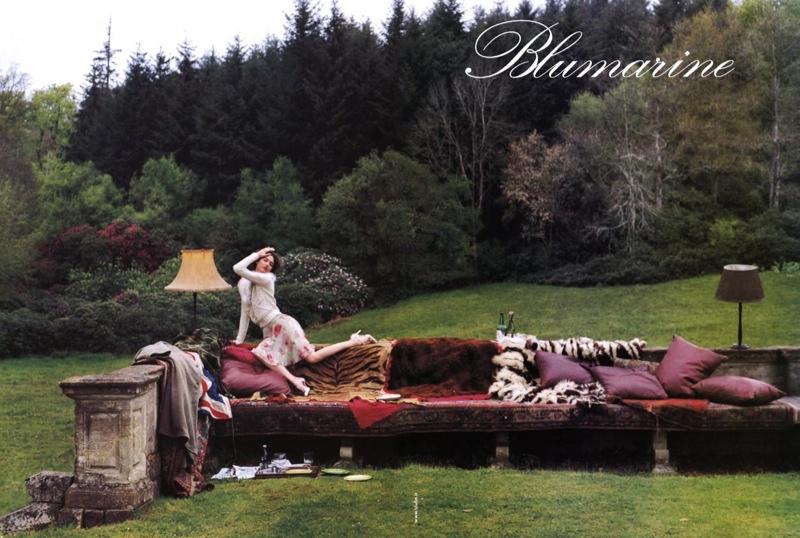blumarine-fall-2002-campaign-shalom-harlow5