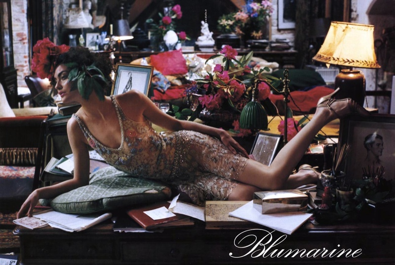 blumarine fall 2002 campaign shalom harlow6 TBT | Shalom Harlow Brings the Drama for Blumarines Fall 2002 Ads