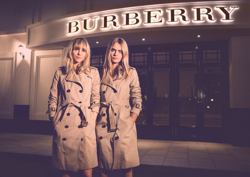 burberry cara suki2 Pals Cara Delevingne & Suki Waterhouse at Burberry Shanghai Event