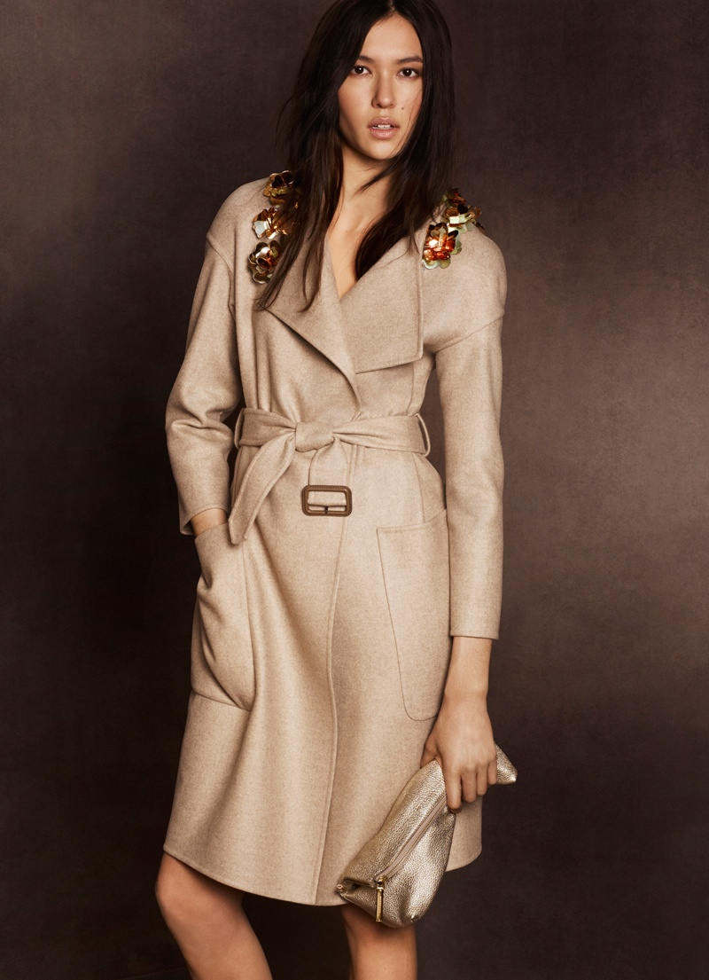 burberry shanghai capsule collection 2014 2 Burberry Goes for Gold with Exclusive Kerry Centre Collection