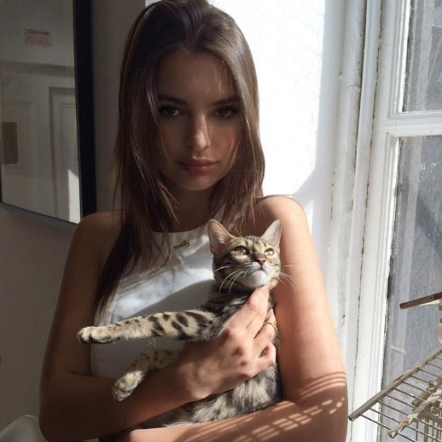 emily cat Instagram Photos of the Week | Emily Ratajkowski, Suki Waterhouse + More Models