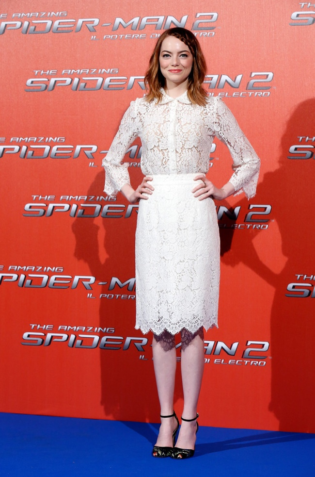 """Emma Stone Gets Lacy in Dolce & Gabbana at """"The Amazing Spider-Man 2"""" Rome Photocall"""