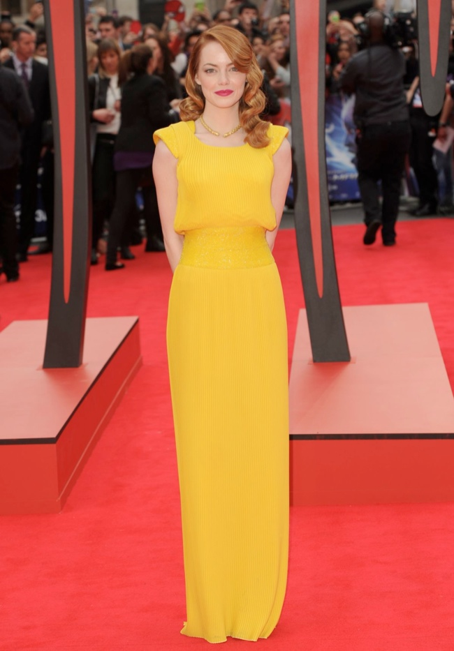 emma stone versace yellow dress2 Emma Stone Stuns in Atelier Versace at The Amazing Spider Man 2 London Premiere