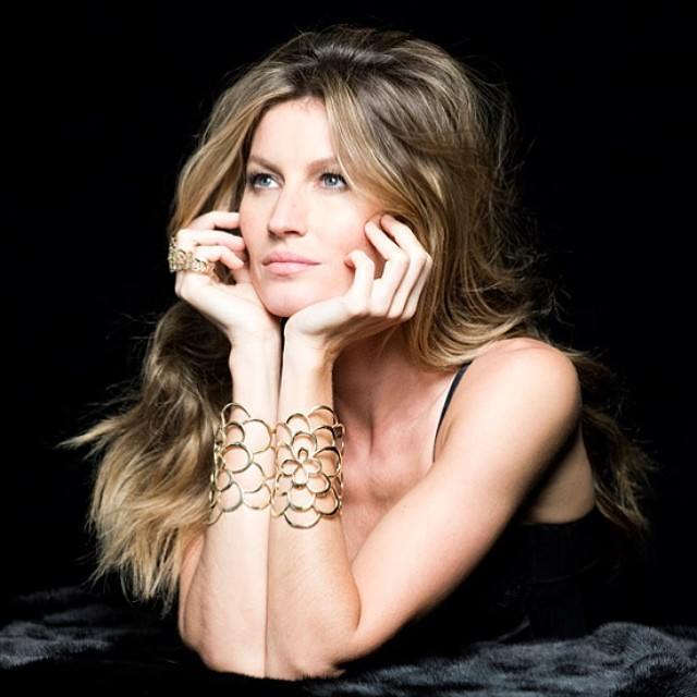 gisele bundchen behind the scenes2 Gisele Bundchen Behind the Scenes at Upcoming Vivara Jewelry Ad