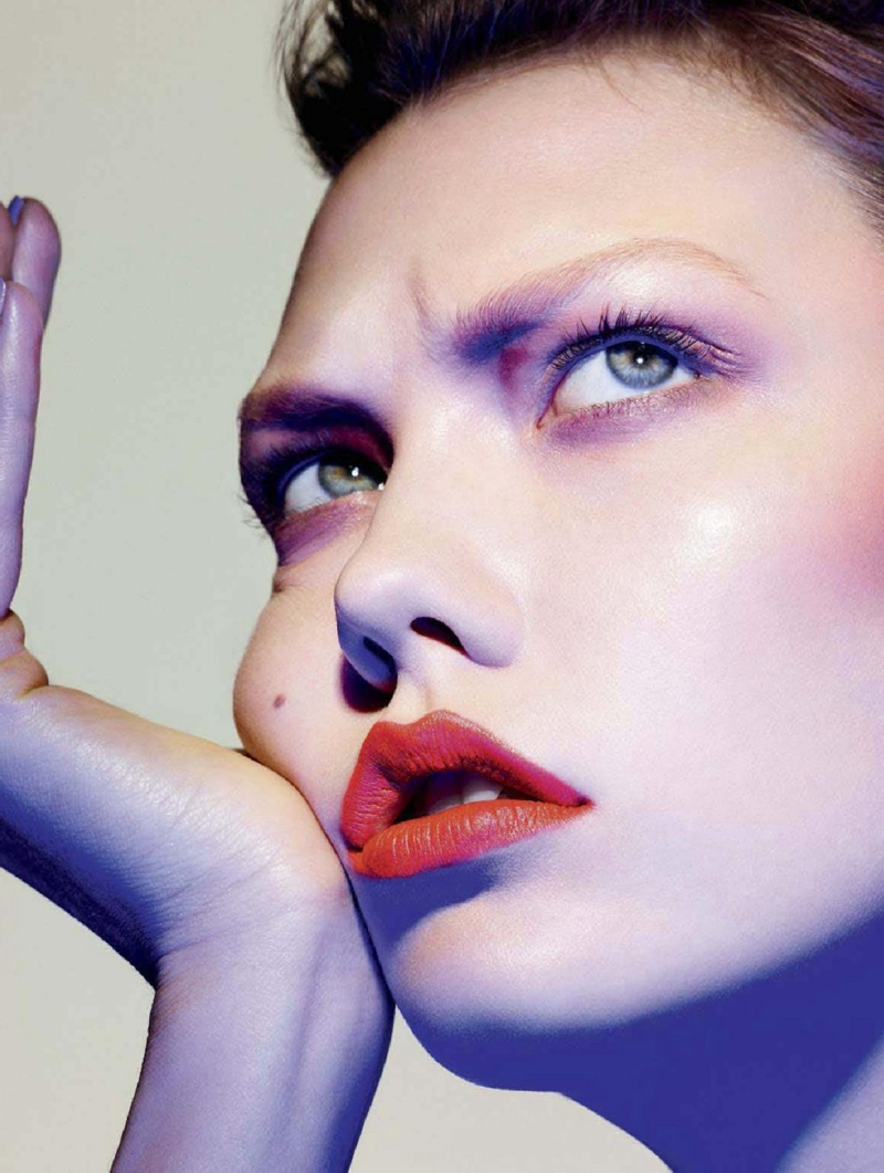 karlie beauty ben hassett11 Karlie Kloss Gets Painted for Ben Hassett in LExpress Styles Shoot